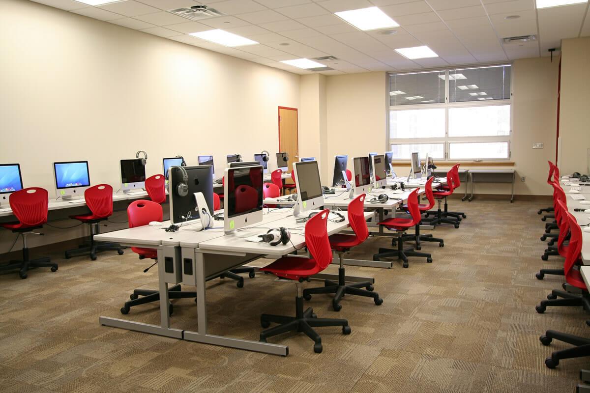 Fairmont Elementary school computer lab
