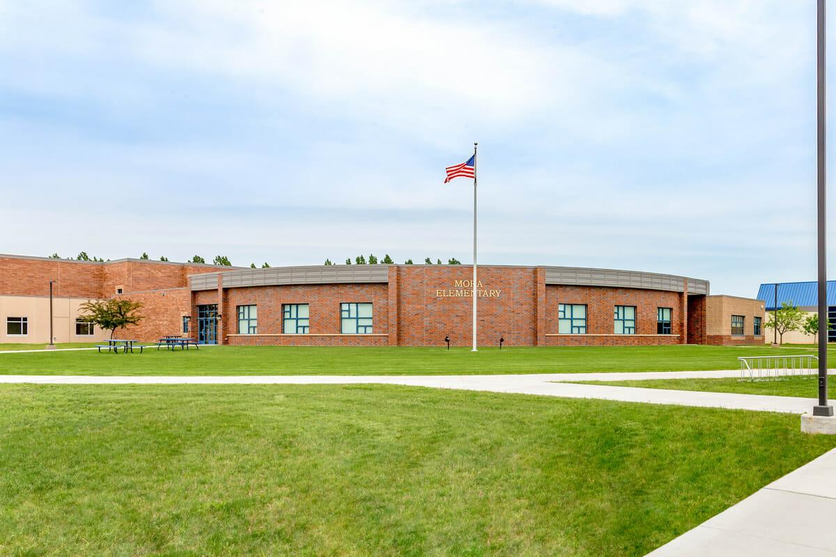 Outside photo of Mora elementary school