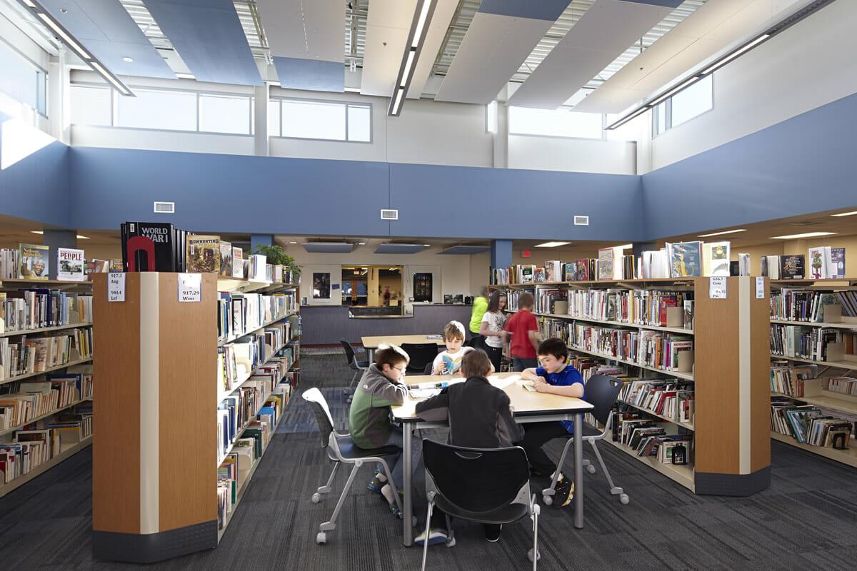 Pequot Lakes Public School library