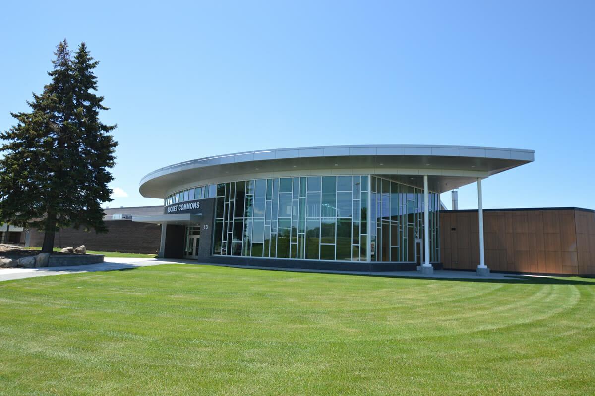 Rushford Peterson School exterior