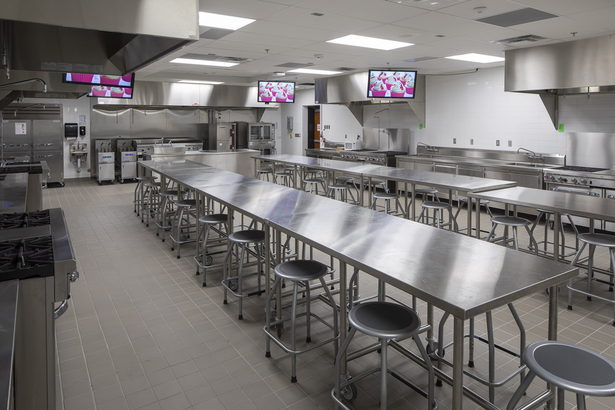 Shakopee High School kitchen classroom